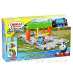 Fisher Price Игрален комплект ТОМАС Thomas & Friends Knapford Station Tile Tracks от серията Take-n-Play CDN06